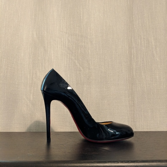 c5a3d6cddff0 Christian Louboutin Shoes - FLASH SALE Black Patent Louboutin Fifille Size  39
